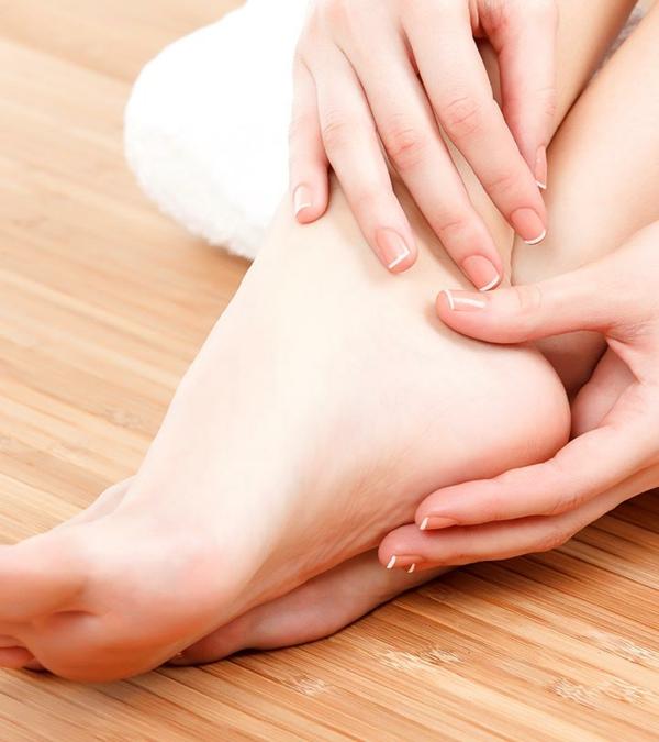Hornhaut entfernen Schwielen an den Füßen Tipps