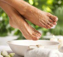 Hornhaut entfernen: Schwielen an den Füßen behandeln