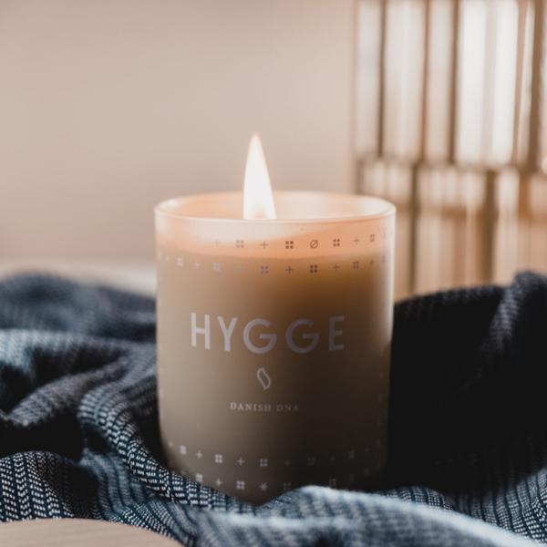 Hygge Wohnaccessoires Kerze Trend Ideen für mehr Gemühtlichkeit