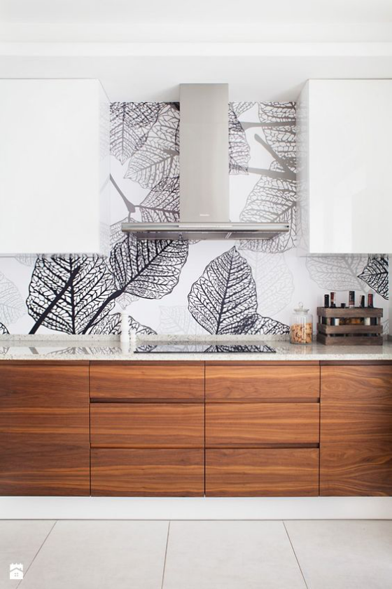 Küchenrückwand mit Blumentapeten Muster stilisierte Blätter grau auf weißem Hintergrund eyecatching