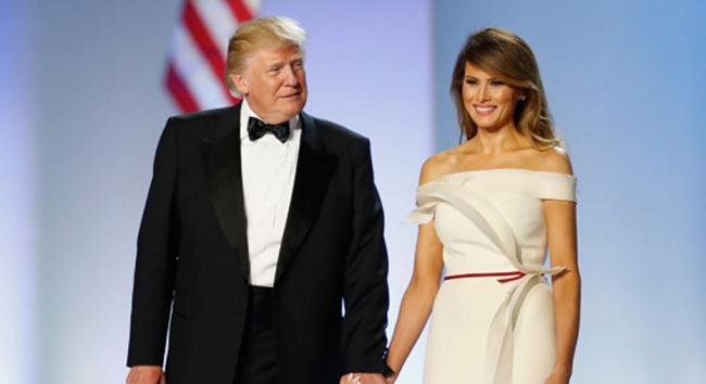 Melania Trump 50 Jahre lächelt an der Seite des US-Präsidenten Donald Trump