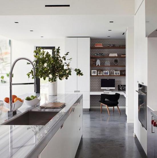 Multifunktionale Räume großes Zimmer sehr gemütlich hell Arbeitsecke Küche Kücheninsel zum Essen