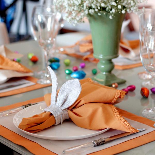 Ostern-Tischdeko - schöne Servietten in Orange
