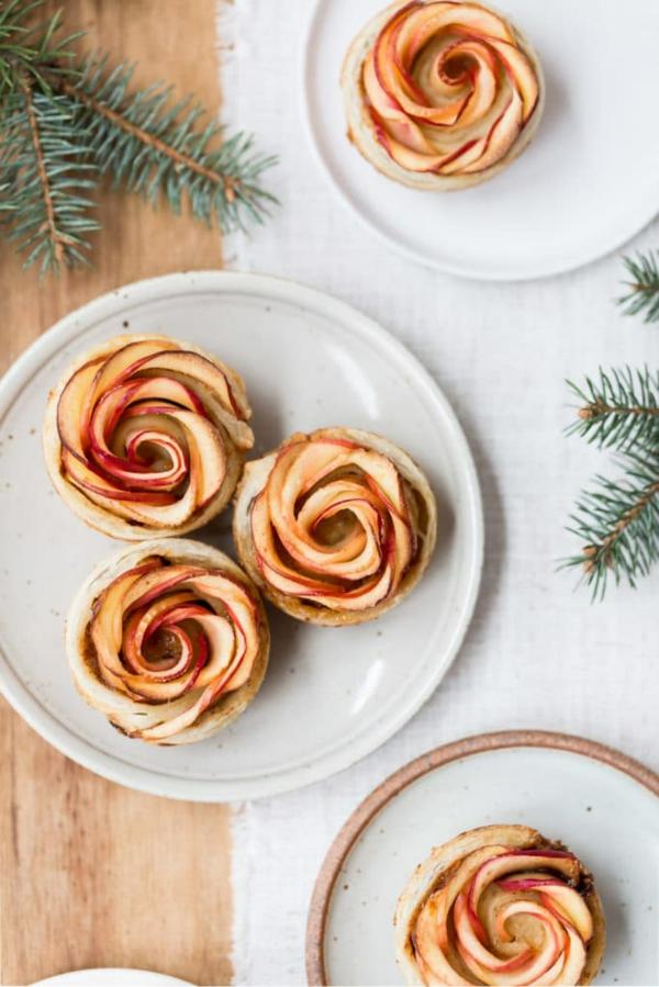 Pfirsich Pflaume Blätterteig Rosen backen Rezept