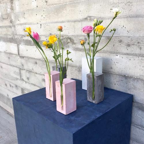Quadratische Betondeko schöne Vasen