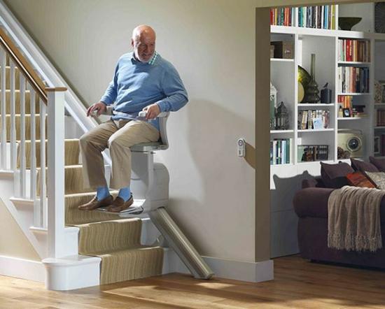 Was kostet ein Treppenlift Preis
