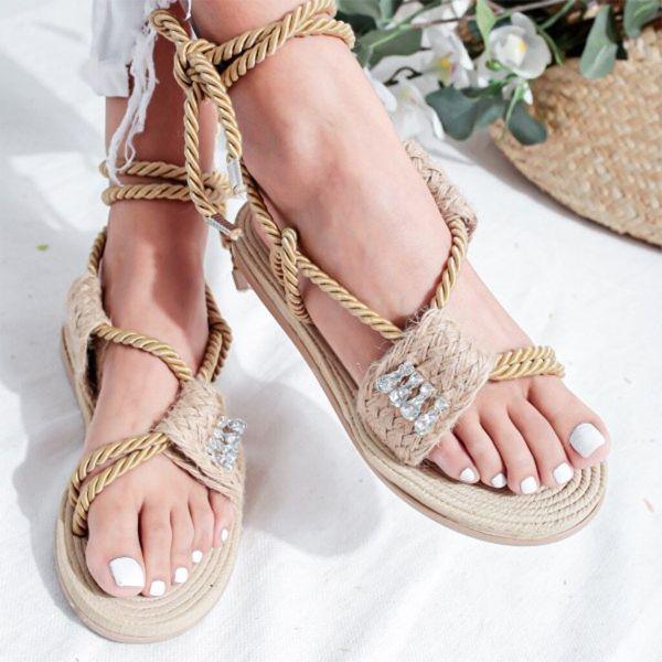 ausgezeichnete idee mit gewebten elementen schöne sandalen