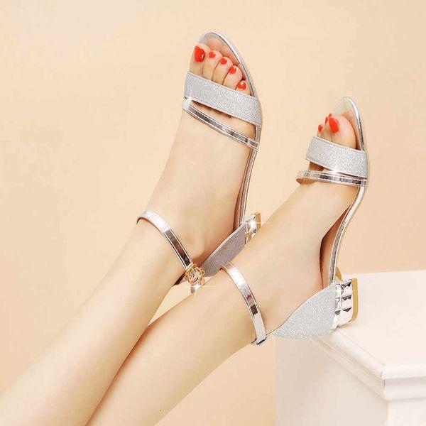 ausgezeichnete schuhe - schöne sandalen