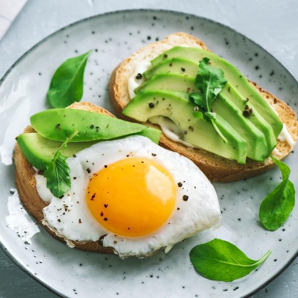 avocado eier frühstück stoffwechsel anregen