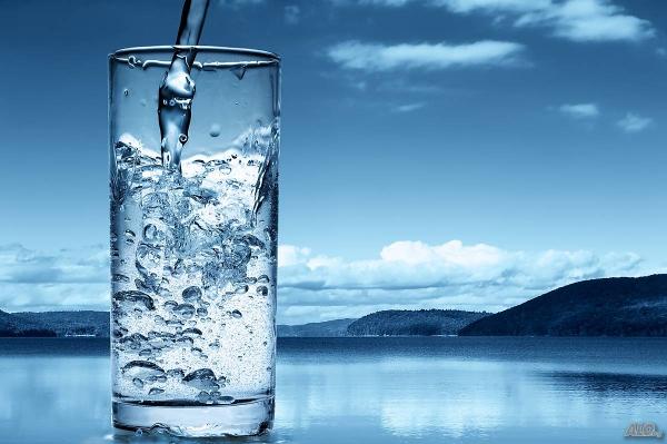 destilliertes Wasser trinken Natur Ideen
