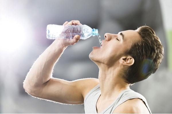 destilliertes Wasser trinken Wasser gesund