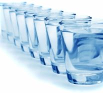 Soll man destilliertes Wasser trinken? Die Pro- und Kontras finden Sie hier!