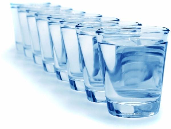 destilliertes Wasser trinken - gesundes Leben