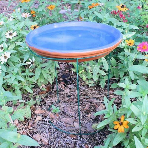 einfache vogeltränke aus keramik