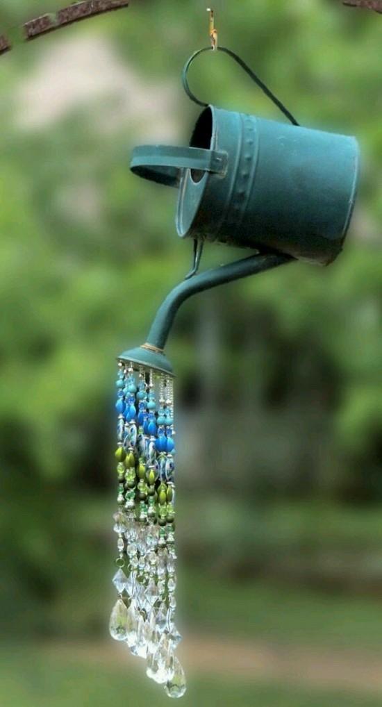 gartendeko selber machen gießkanne glasperlen diy idee