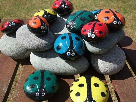 gartendeko selber machen marienkäfer steine bemalen