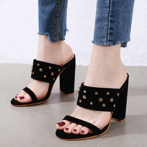 gewebte modelle mit tollem schmuck schöne sandalen