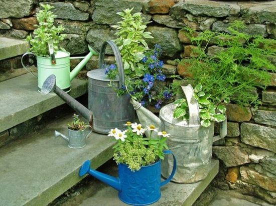 gießkann pflanzkübel gartendeko selber machen