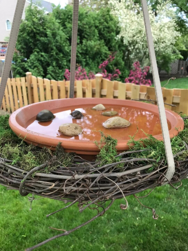 hängendes vogelbad reben moos keramik