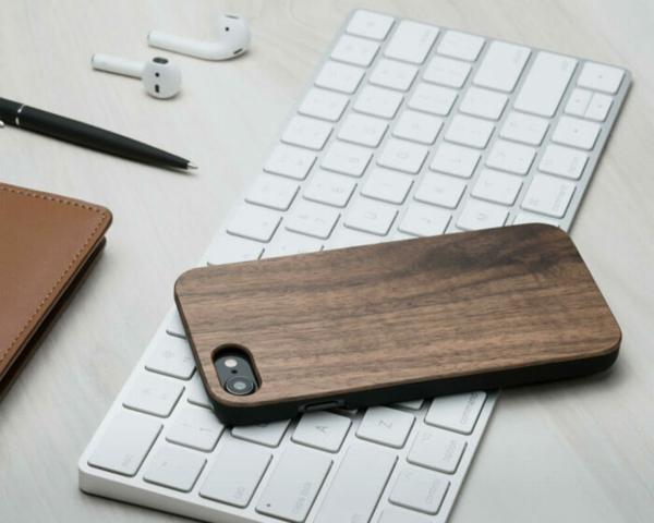 holzhüllen für Smartphones trend accessoire