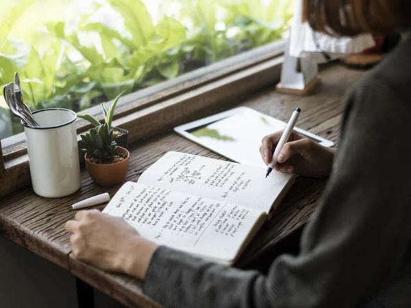 journaling expressives schreiben gegen corona angst