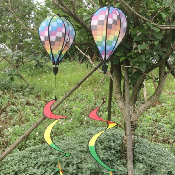 schöne gartendeko heißluftballons