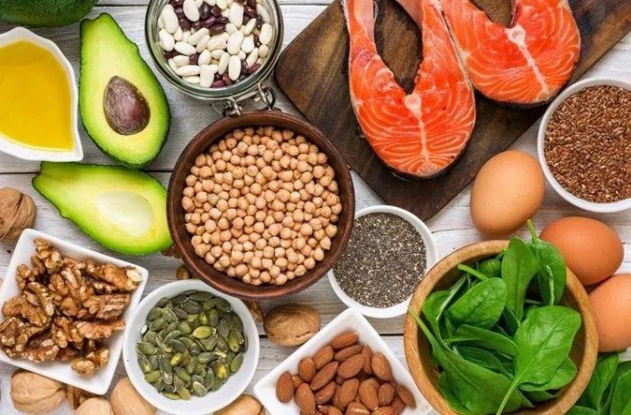 vor Coronavirus schützen abwechslungsreiches Essen viele Vitamine stärken das Immunsystem