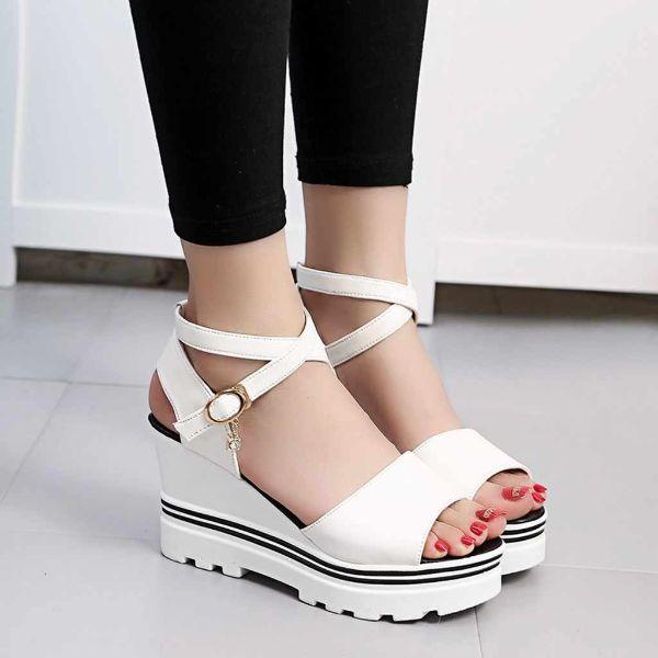 weiße schuhmodelle schöne sandalen
