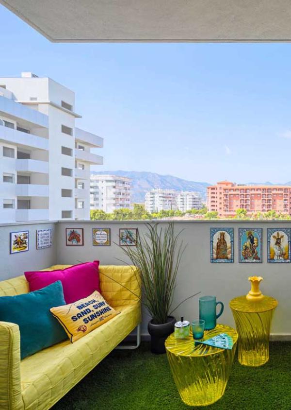 Balkon-Sofa - Sofa und andere grelle Möbelideen