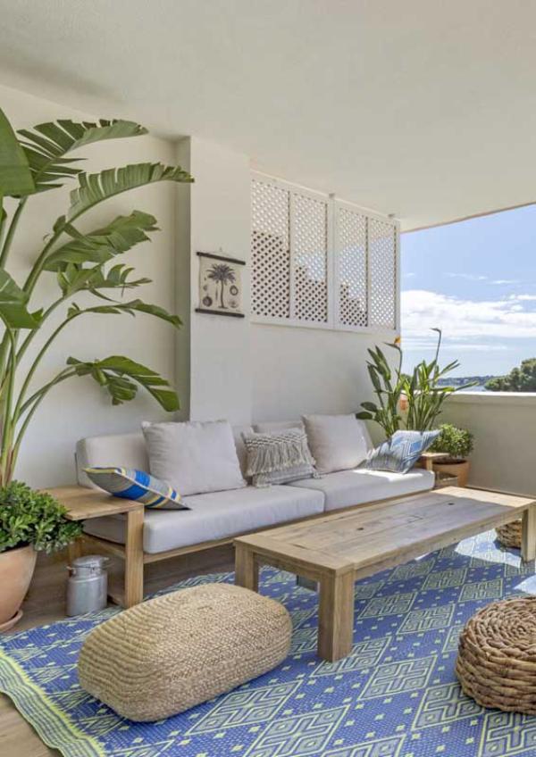 Balkon-Sofa - Teppich Ideen