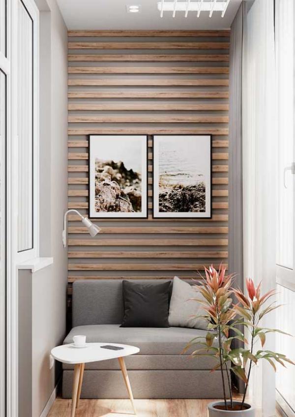 Balkon-Sofa - kleines Sofa - eine Zimmerpflanze