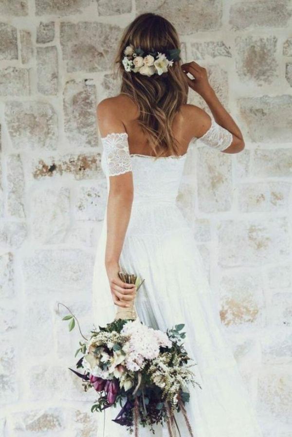 Brautfrisur offen mit Blumen Blumenstrauß
