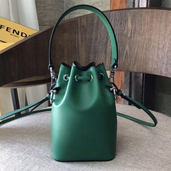 Damentaschen - eine grüne Handtasche