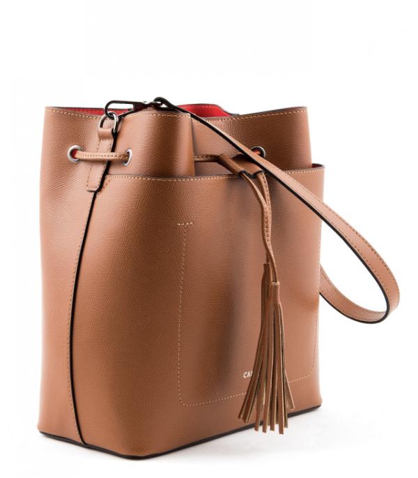 Damentaschen - eine quadratische Tasche