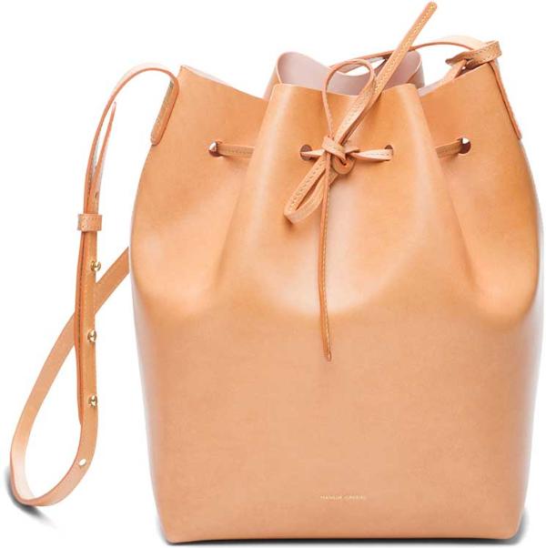 Damentaschen - eine schöne Tasche in moderner Farbe
