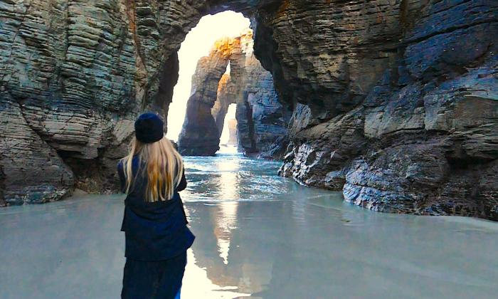 Der schönste Strand in Europa Kathedralenstrand an der nordspanischen Atlantikküste Felsentore einer Kathedrale ähnlich