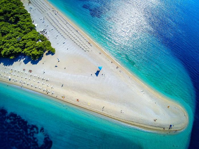 Der schönste Strand in Europa Kroatien Zlatni Rat wunderschöner weißer Strand Goldenes Horn