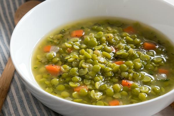 Fett Killer fettverbrennende Lebensmittel Schälerbsen Suppe