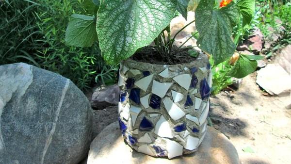 Garten gestalten - Pflanzenkübel Beton