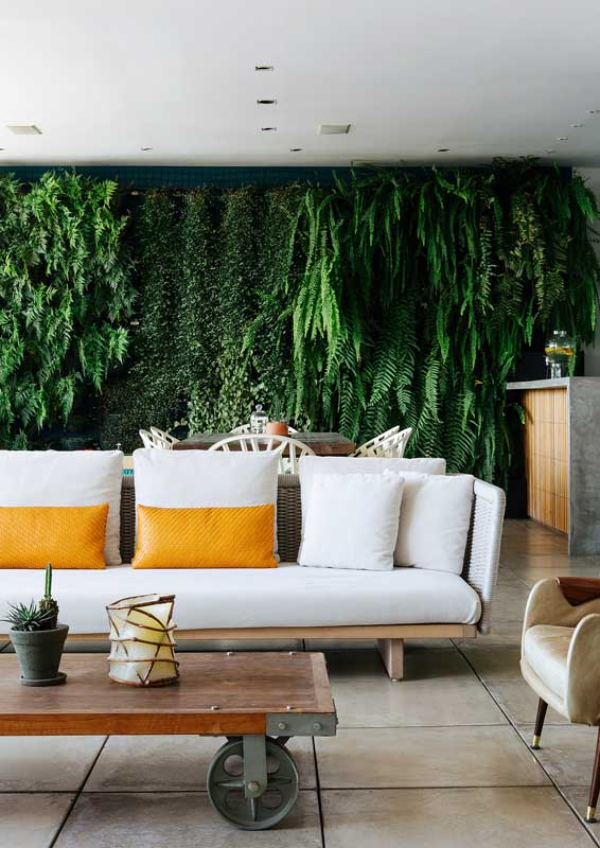 Grüne Balkongestaltung - Balkon-Sofa