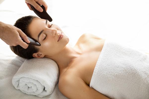 Gua Sha Massage - tolle Technik für die Gesichtspflege