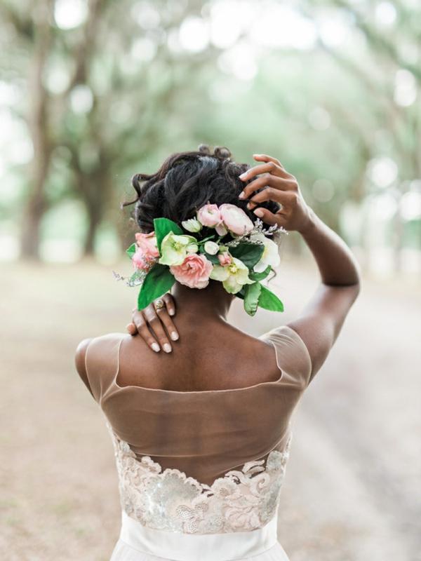 Hochzeitsfrisuren mit Blumen Blumen im Haar