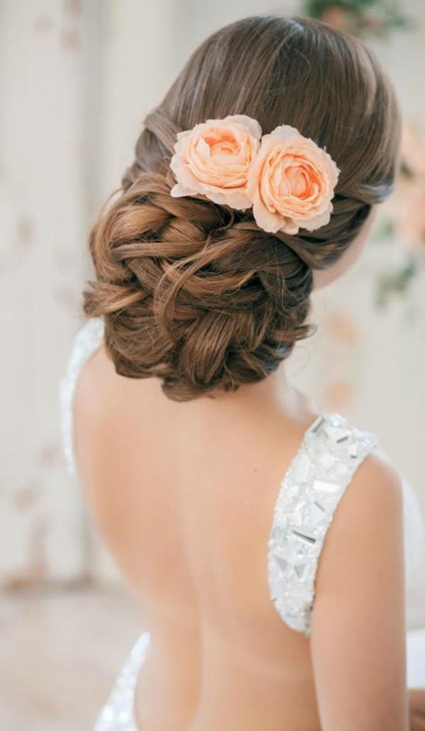 Hochzeitsfrisuren mit Blumen Ideen