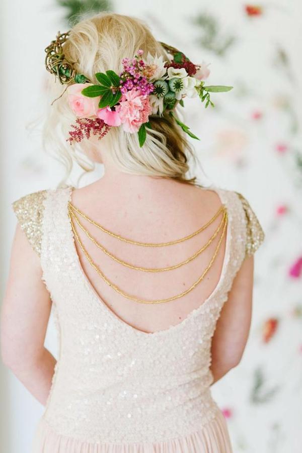 Hochzeitsfrisuren mit Blumen halbofen Frühlingsblumen