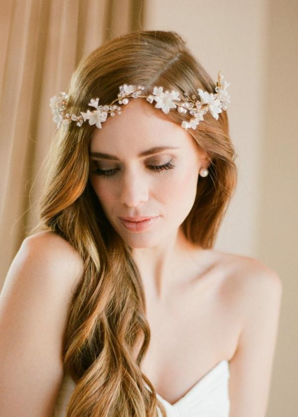 Hochzeitsfrisuren mit Blumen offena Haare Haarschmuck