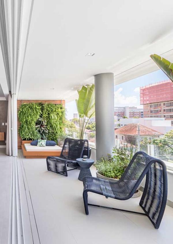 Korbmöbel - schöne Inneinrichtung - Balkon-Sofa