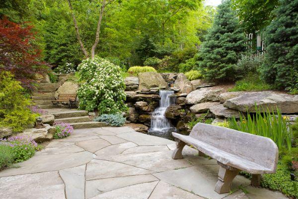 Naturgarten anlegen - Ecke zum Ausruhen