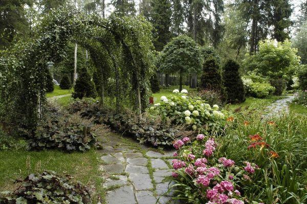 Naturgarten anlegen Spannende Gartengestaltung