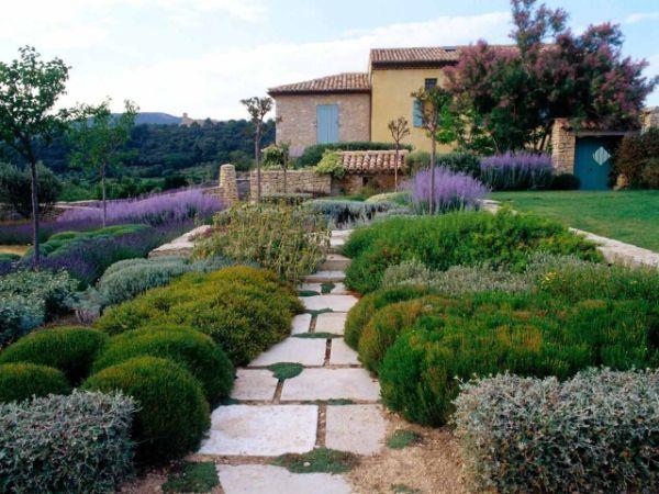 Naturgarten anlegen zurückhaltender Stil