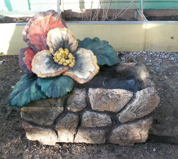 Pflanzenkübel Beton Schmuck aus Blumen